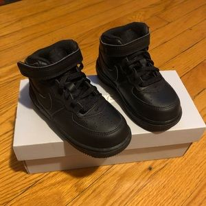 8c Nike Air Force 1 Mid